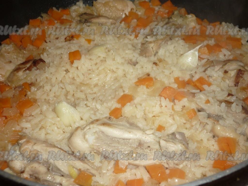Как сделать плов в сковороде из курицы