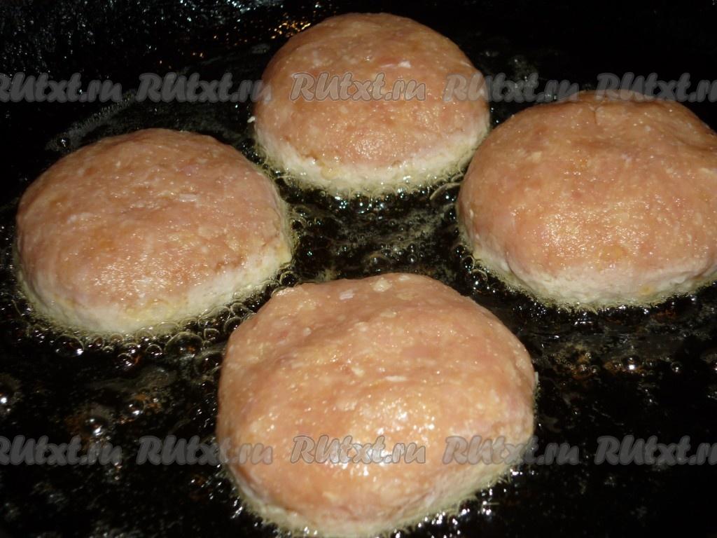 Как сделать сочные куриные котлеты на сковороде 149