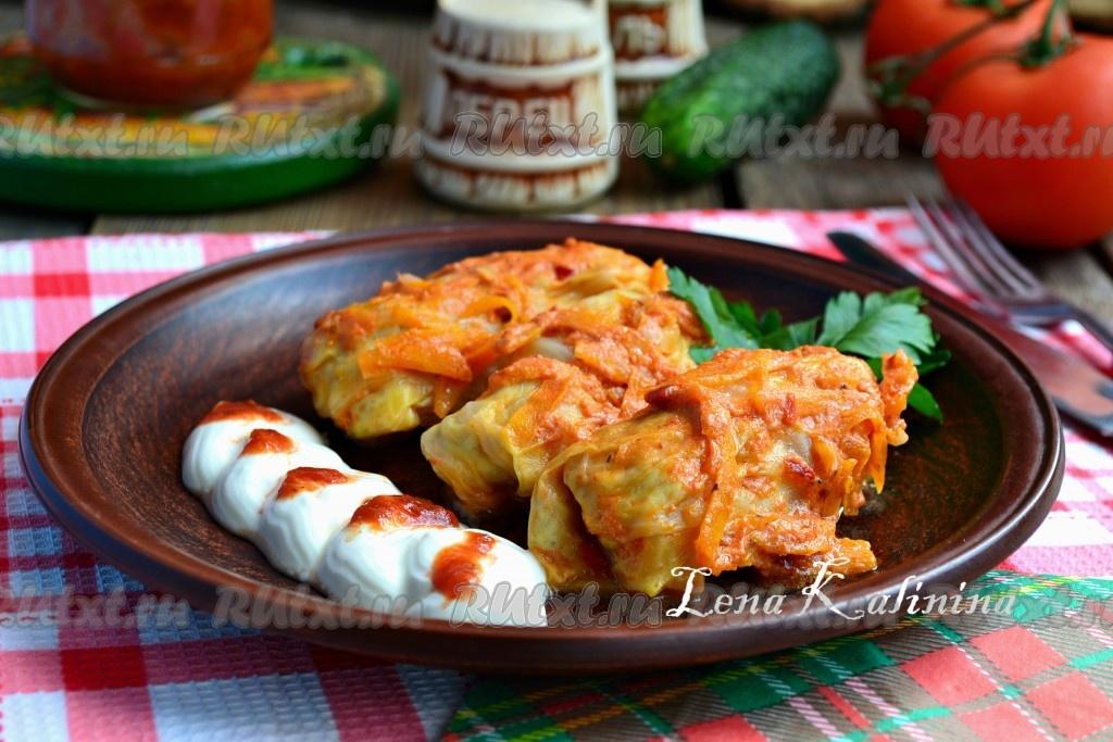 Голубцы рецепт в сметанном соусе на сковороде