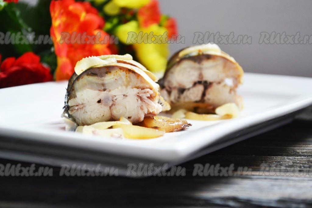 рыба в духовке с луком рецепты с фото