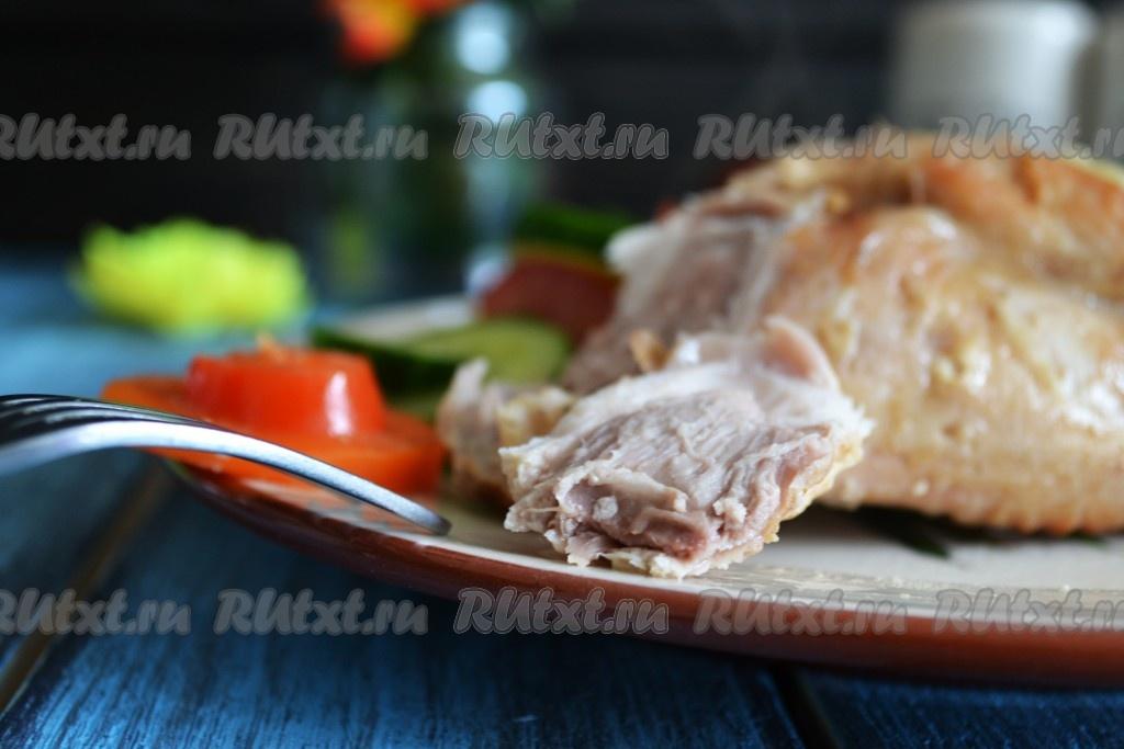 Простой рецепт салата с копченой куриной грудкой