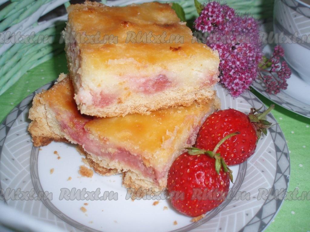 Нежный пирог с клубникой 11