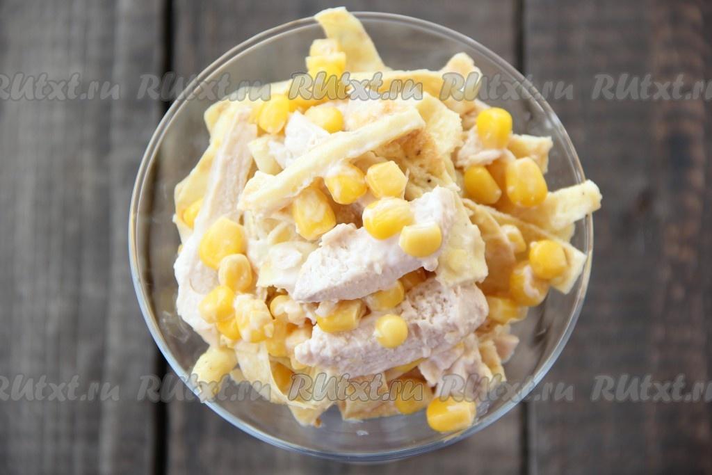 Рецепты салатов из яичных блинчиков и кукурузы