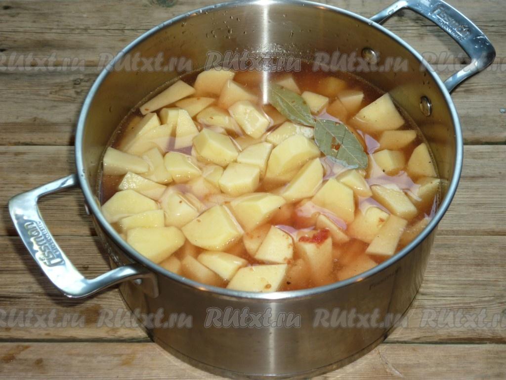 как правильно тушить картошку с курицей в кастрюле рецепт