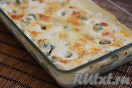 Все очень быстро и вкусно! В качестве гарнира к рыбным фрикаделькам в сливочном соусе отлично подойдет картофельное пюре.