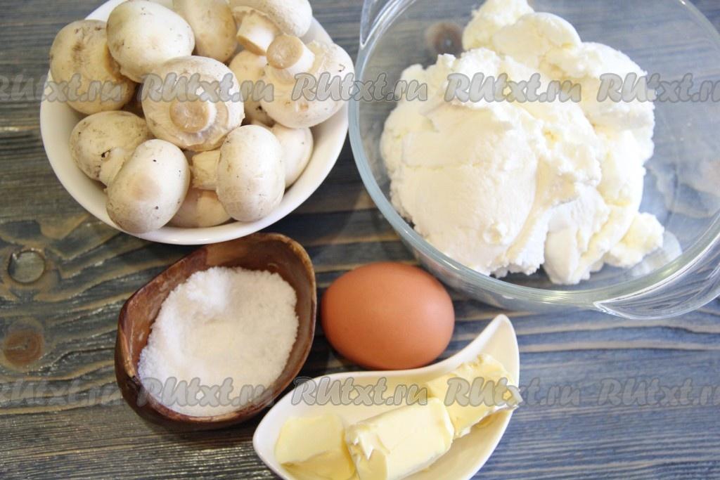 Курица в сливочном соусе с макаронами на сковороде рецепт с фото
