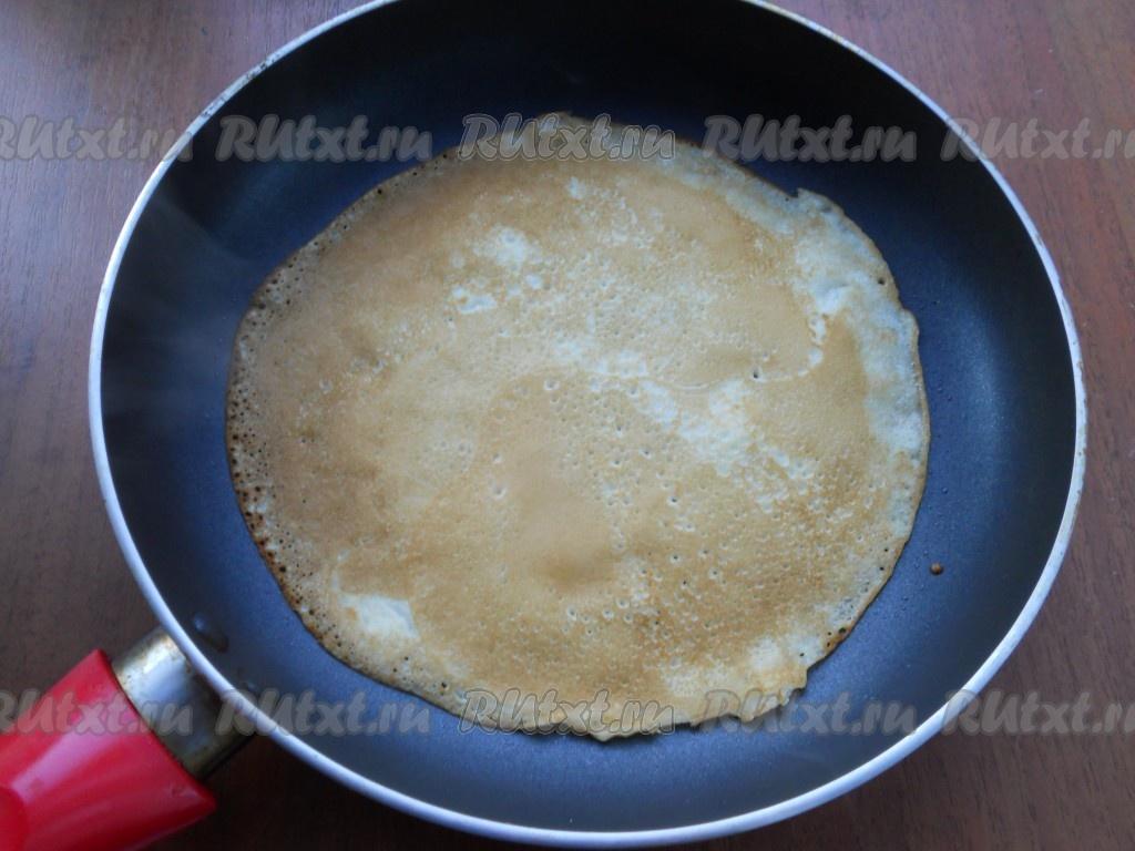 Тонкие блины на кефире и воде с дырочками рецепт