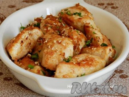 Вкусное и сочное филе индейки, жареное на сковороде, готово.