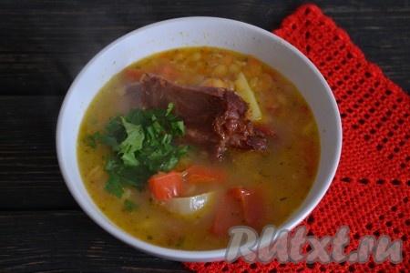 Густой, наваристый суп с горохом, который просто тает во рту, с ароматом копчёностей понравится очень многим. Приятного аппетита!