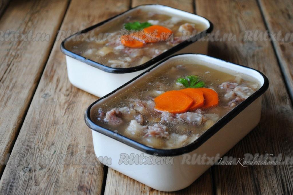 Рецепт из свиных ножек в духовке с