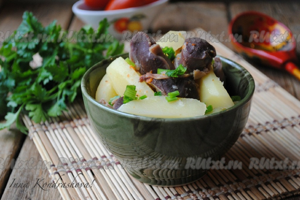 рецепт приготовления куриных желудочков с подливкой