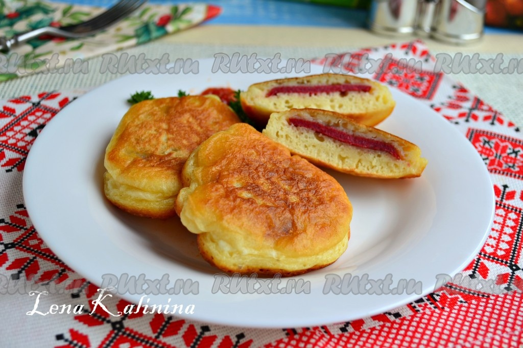 оладьи на кефире с сыром и колбасой