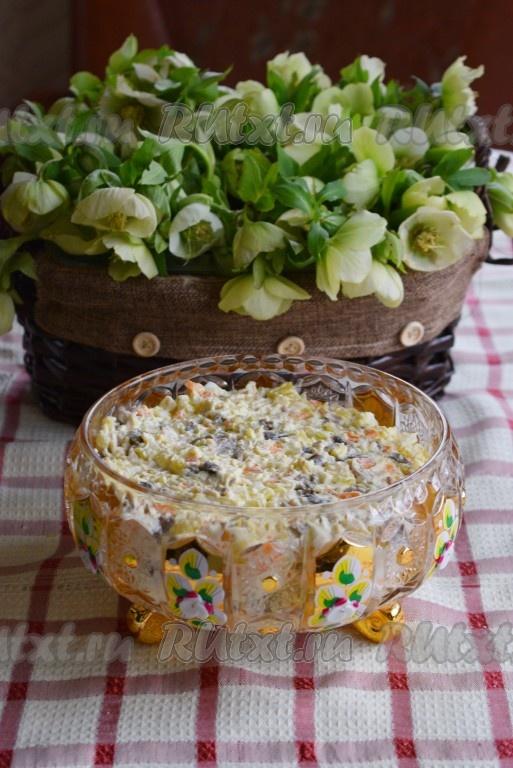 рецепт салат из курицы и маринованных грибов
