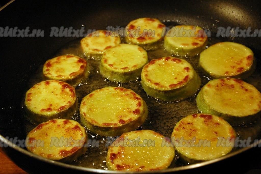 Ингредиенты для салата цезарь с курицей и сухариками