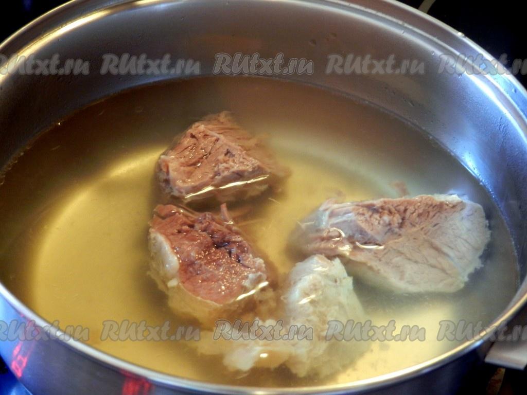 Как сварить бульон из свинины на кости