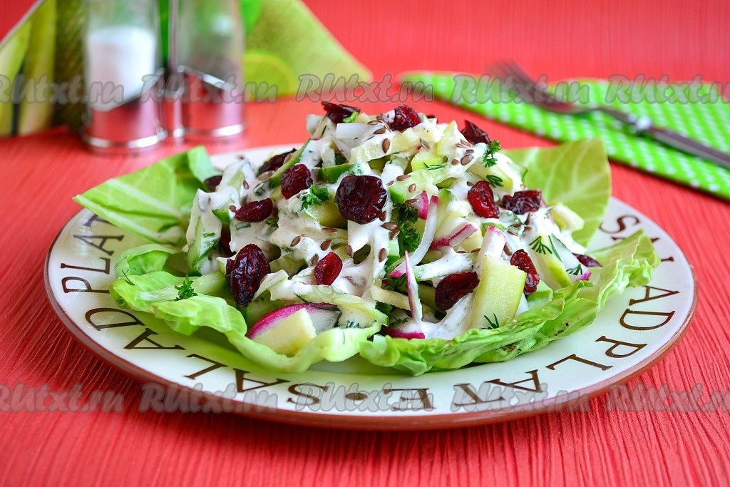 салат из свежего огурца и яблока рецепт