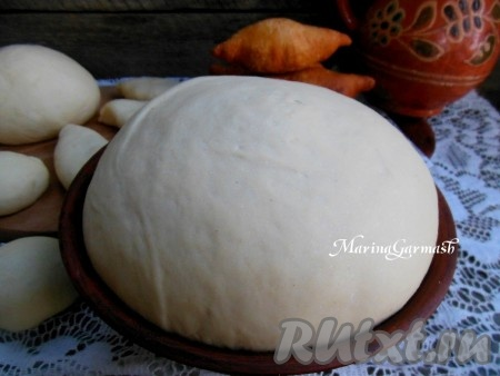 Пироги с яйцом и луком в духовке из дрожжевого теста