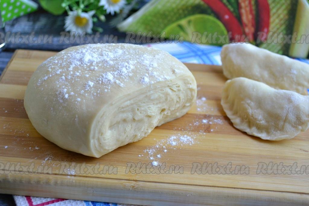 Тесто на вареники с кислого молока