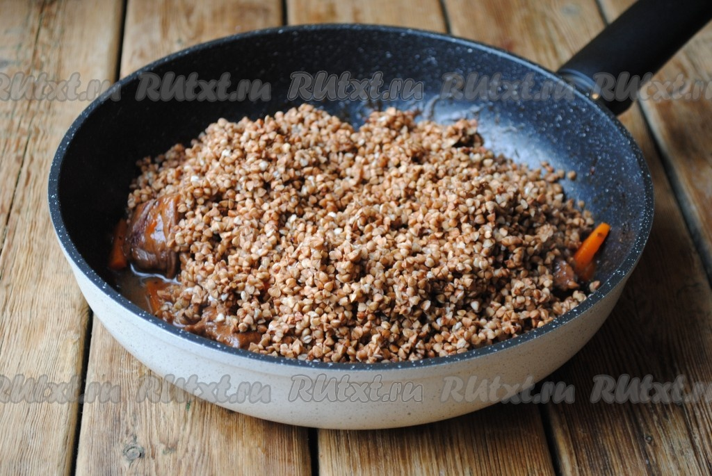 говядина с гречкой на сковороде рецепт