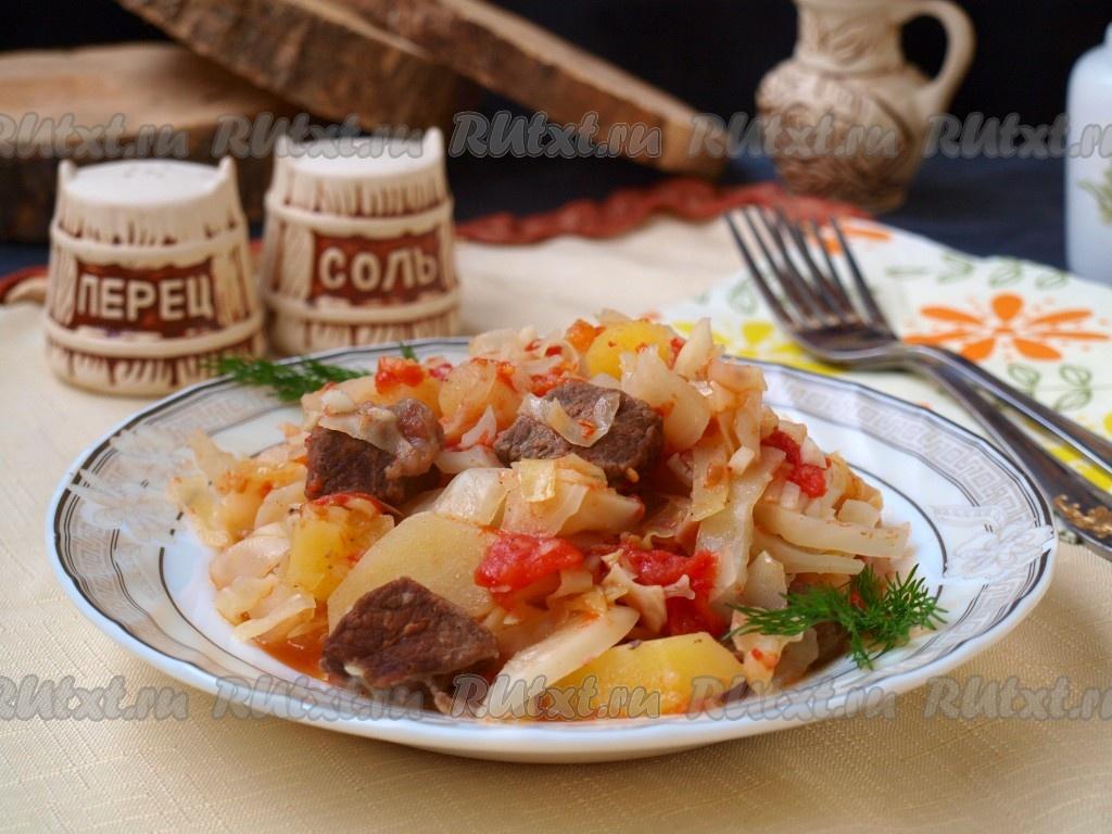 как тушить капусту с картошкой и мясом в кастрюле