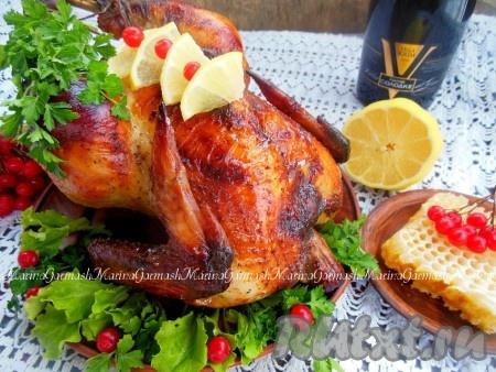 Курица, запеченная с медом и горчицей, получается нежной, сочной, ароматной, с аппетитной, румяной корочкой. Думаю, вашей семье понравится это блюдо.{amp}#xA;