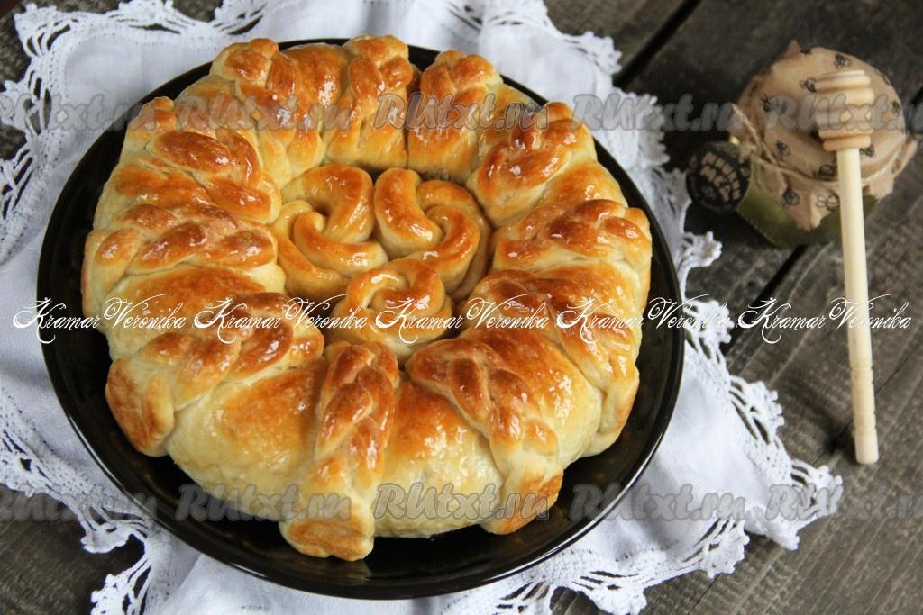 Как сделать красивый пирог из дрожжевого теста фото 877