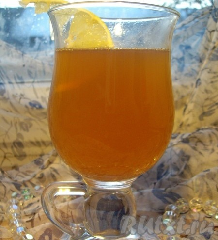 Дать настояться около 30 минут, процедить, нагреть, добавить лимон и пить горячим. Рецепт сбитня на меду прост, а приготовленный напиток порадует прекрасным вкусом и поможет укрепить здоровье. {amp}#xA;
