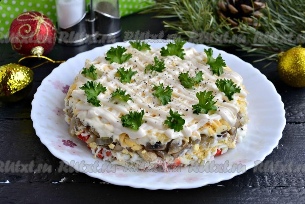 Салат из крабовых палочек с ананасами и
