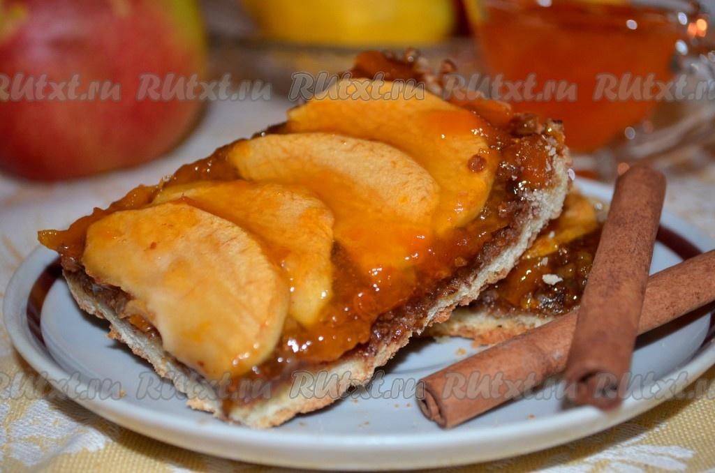 Пирог с абрикосовым джемом - рецепт с фото: http://rutxt.ru/node/1500