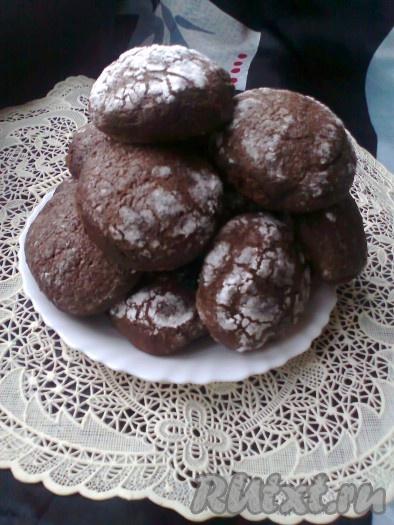 Выпекаем шоколадные пряники в разогретой духовке при температуре 180-200 градусов в течение 20-25 минут (до лёгкой румяности), ориентируйтесь по вашей духовке. Вот мягкие, вкусные прянички и готовы.