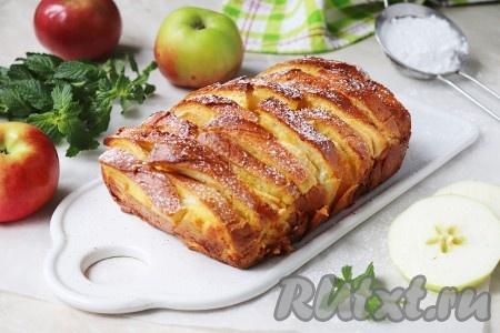 Шарлотка из батона с яблоками в духовке