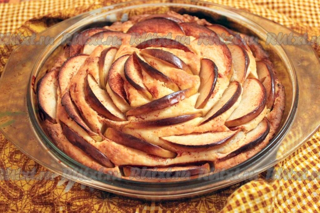 Пирог с яблоками на сметане в духовке