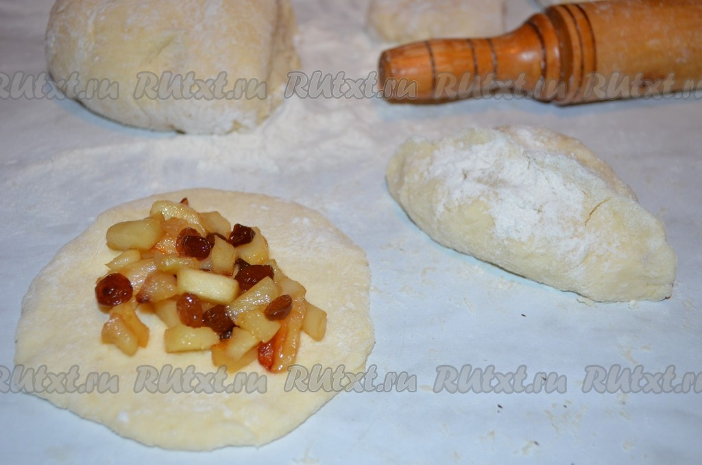пирожки из творожного теста с яблоками в духовке