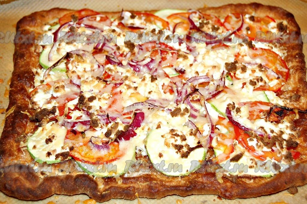 Пицца в домашних условиях из готового теста