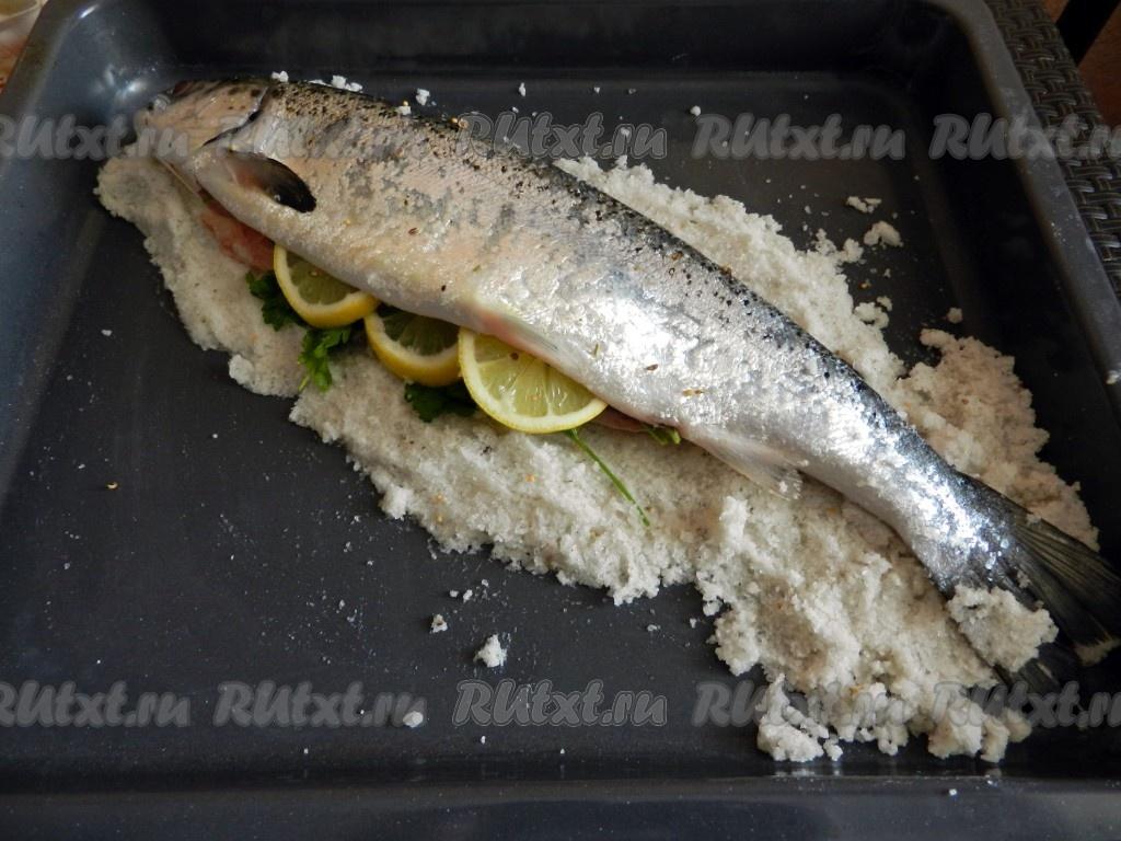 сколько минут печь рыбу в духовке: