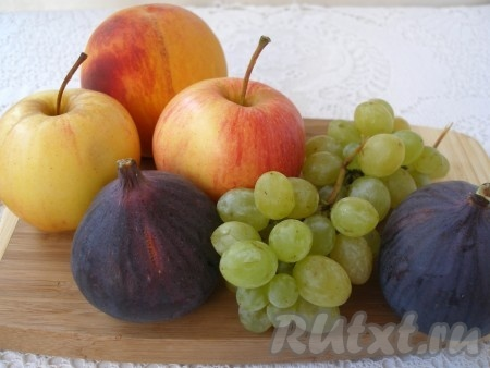 Для салата фрукты вымыть и обсушить.