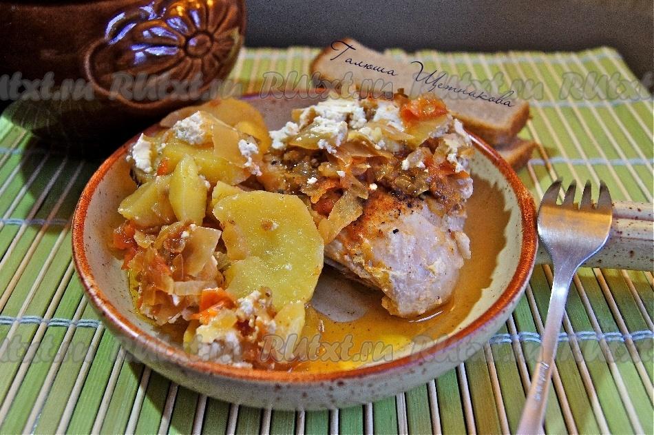 в горшочках мясо с картошкой и капустой