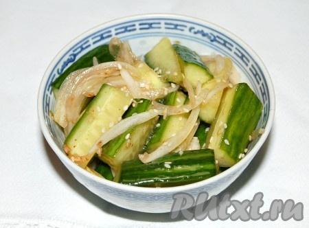 Очень вкусные огурцы по-корейски готовы.
