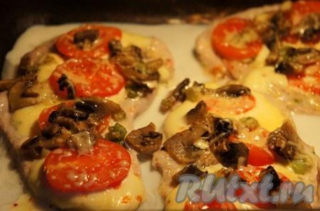 Свинина, запеченная с помидорами и сыром - рецепт с фото