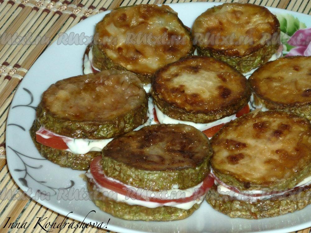 Тушеный кабачок с помидорами с майонезом — pic 1