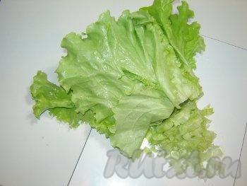 Добавляем зеленый салат