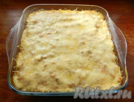 Вкусная, сочная капустная лазанья готова.
