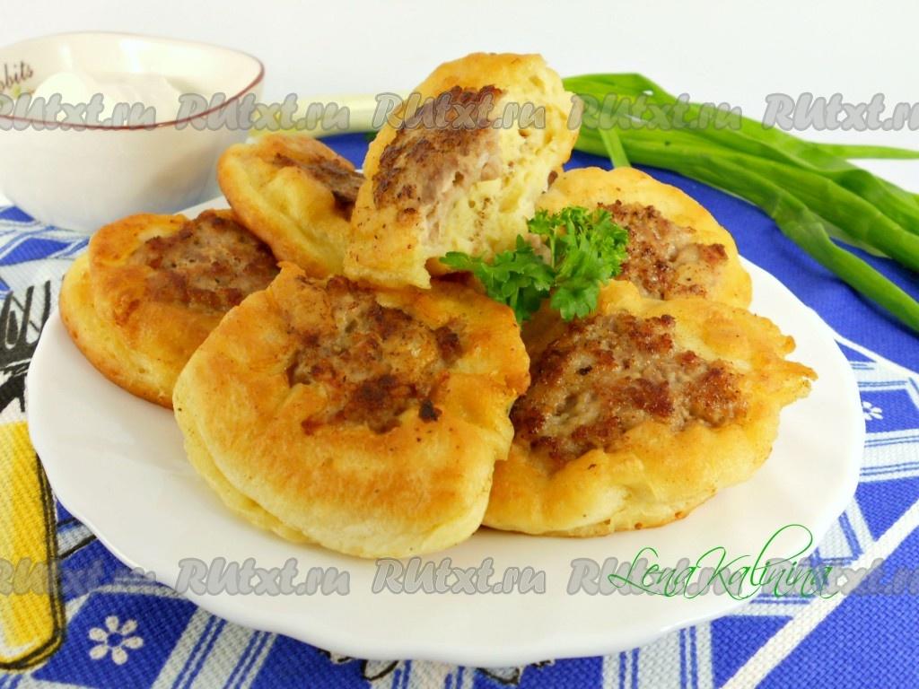 Картошка с куриными окорочкам в духовке с майонезом рецепт