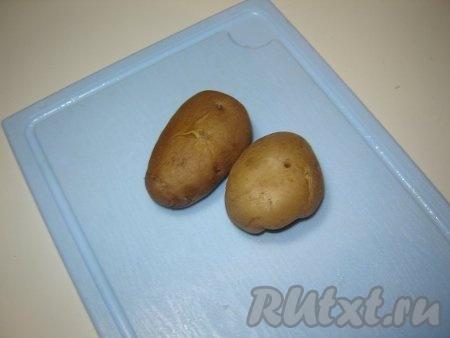 Вареные клубни картофеля