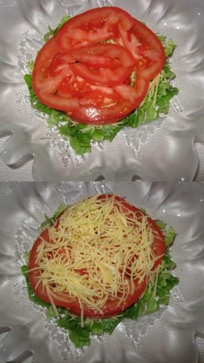 2 слой - помидор нарезать полукольцами, сверху посыпать сыром.