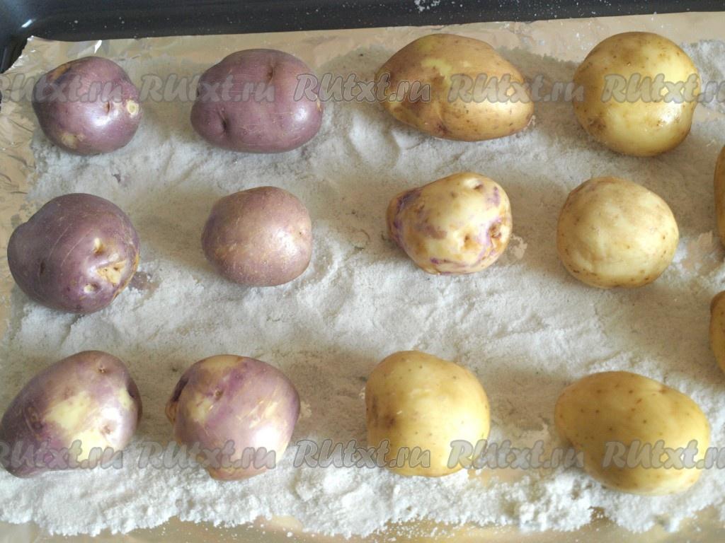 картофель в духовке на соли рецепт