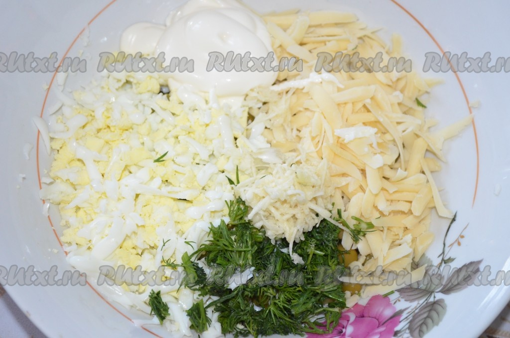 салат из яиц и огурцов и сыра