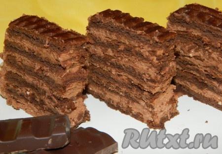 Вкусные шоколадные пирожные готовы.