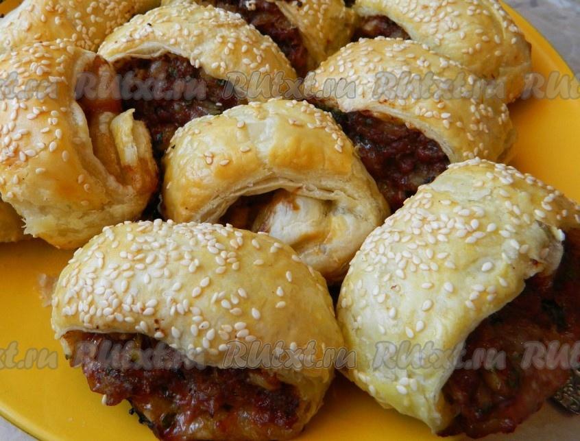 рецепт мясного рулета из фарша с яйцом и грибами в духовке рецепт с фото