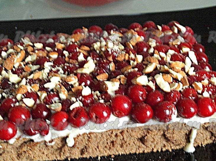 считается торт вишневый поцелуй рецепт с фото человеку